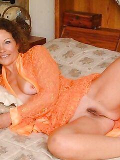 Мамки в чулках и не только показаны здесь - секс порно фото