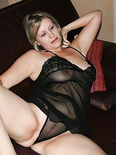 Зрелые женщины показаны нам голенькими - секс порно фото