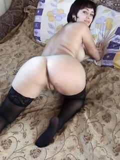девушки с круглыми сиськами обожают позировать - секс порно фото