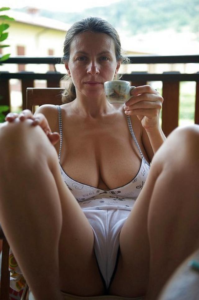 Зрелые леди показаны голые в разных местах - секс порно фото