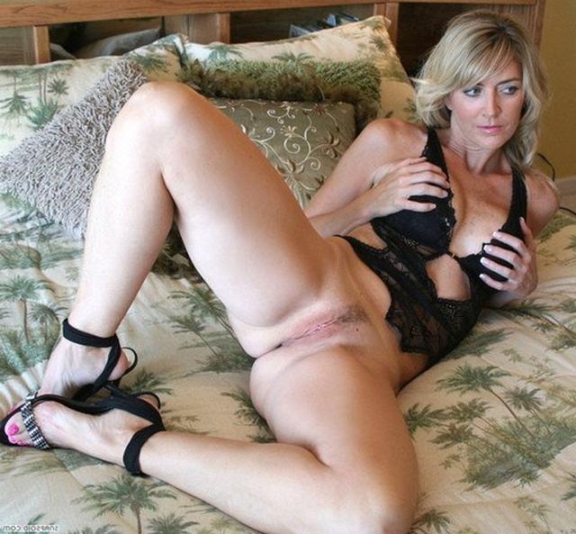 зрелые тетки показывают себя во всей красе - секс порно фото