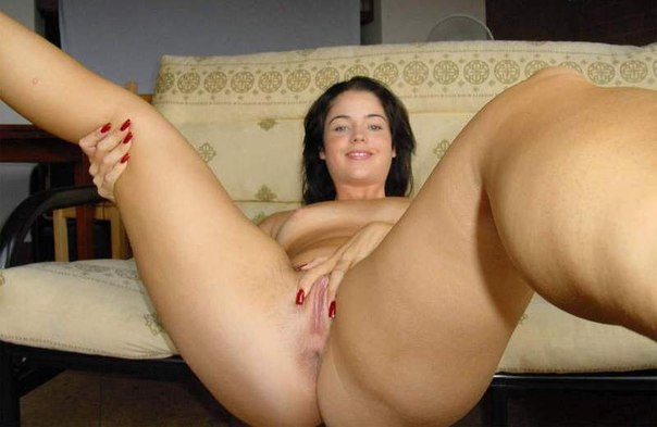 девушки и женщины позируют у себя дома - секс порно фото