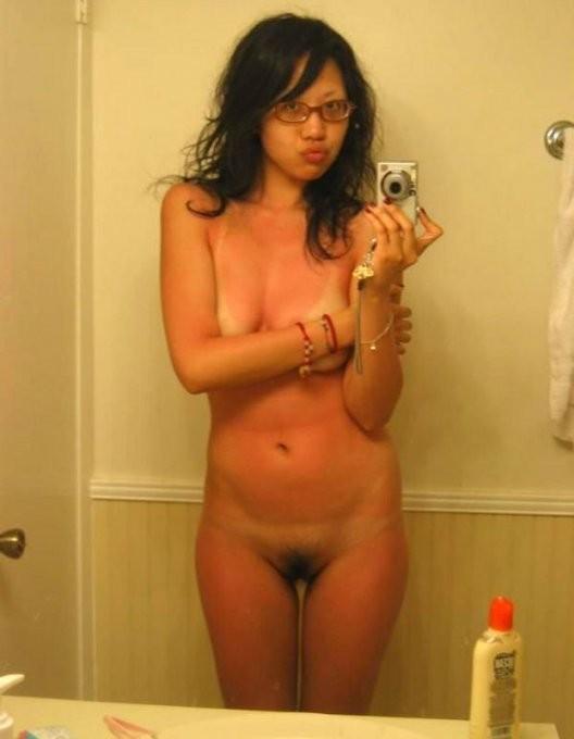 Девушки снимают себя напротив зеркал - секс порно фото