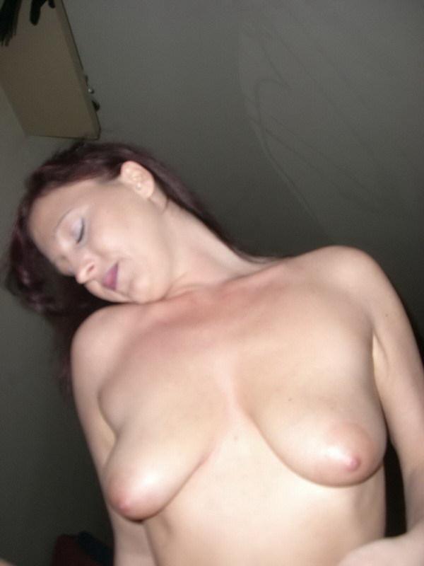Стерва в сапожках умеет при желании делать сочный  - секс порно фото